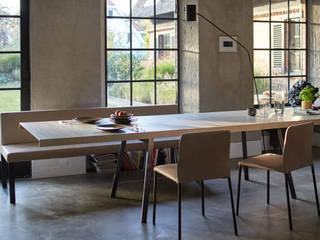 Tisch TIN von [more] von [more] Bernhard Müller GmbH Minimalistisch