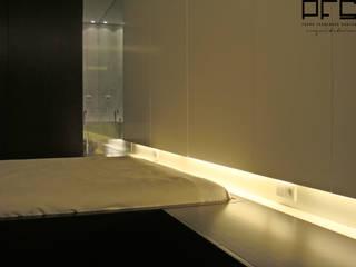 Minimalist bedroom by PFS-arquitectura Minimalist