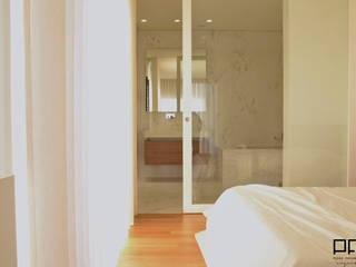 CASA RM_PÓVOA DE VARZIM_2013 Casas de banho minimalistas por PFS-arquitectura Minimalista