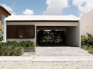 Case in stile minimalista di Coletivo de Arquitetos Minimalista