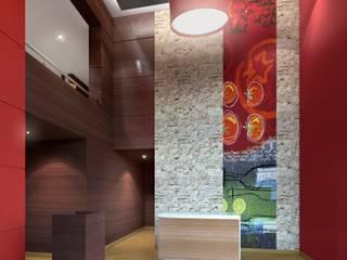 RESTAURANTES PIZZA HUT: Salas / recibidores de estilo  por ARKILINEA