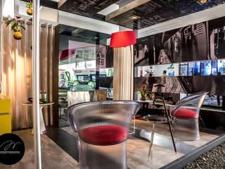 HOME OFFICE DEL FOTÓGRAFO - EXPODECO 2016: Oficinas de estilo  por ARKILINEA