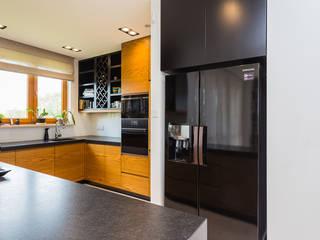 Apartament dwupoziomowy na warszawskim Mokotowie: styl , w kategorii Kuchnia zaprojektowany przez Modify- Architektura Wnętrz