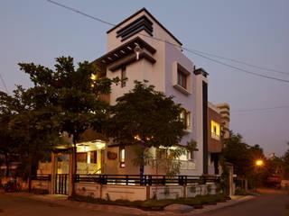 บ้านและที่อยู่อาศัย โดย M B M architects, เอเชียน
