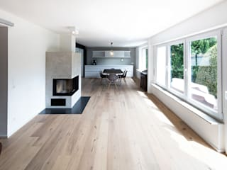 Modern living room by Schiller Architektur BDA Modern