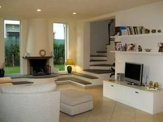 Salas de estar clássicas por Nyda Design - Nicola D'Alessandro architetto Clássico