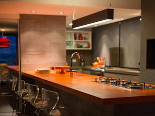 Modern kitchen by Stemmer Rodrigues Modern