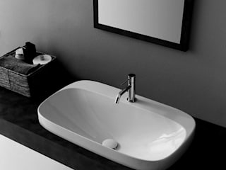 ミニマルスタイルの お風呂・バスルーム の Massimiliano Braconi Designer ミニマル