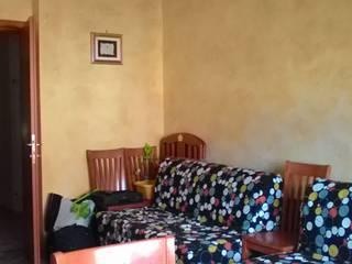 Come valorizzare un delizioso appartamento al mare:  in stile  di Daniela Home Staging