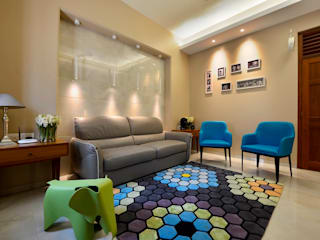 homify Living room Tiles Multicolored