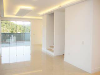 Casa QE148 Paredes e pisos modernos por Cecyn Arquitetura + Design Moderno