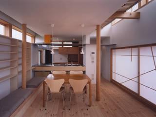 SR House モダンデザインの リビング の 創作工房・閾 モダン
