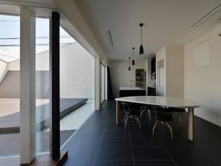 ウルシバラハウス: 丸山晴之建築事務所が手掛けたキッチンです。,