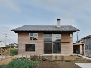 Rustic style house by 丸山晴之建築事務所 Rustic