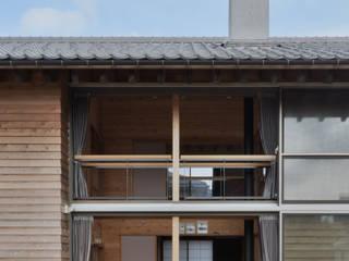 安島の新屋: 丸山晴之建築事務所が手掛けた窓です。,