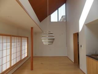 CG House モダンデザインの リビング の 創作工房・閾 モダン