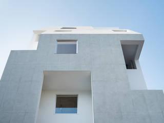 北千束の集合住宅 モダンな 家 の 黒川智之建築設計事務所 モダン