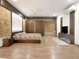 High-end Interior and Renovation Modern style bedroom by Interior Shapes & Designs Modern