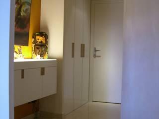 Corredores, halls e escadas clássicos por Pierre Bernard Création Clássico