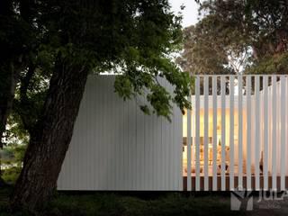 Minimalist houses by Jular Madeiras Minimalist