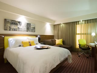 Hampton by Hilton Brand Development Moderne Hotels von Rethink Interiors Ltd Modern