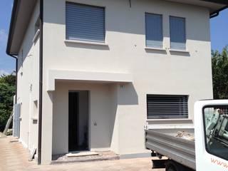 Modern Houses by GEP gruppo edile padova di favaro mauro Modern
