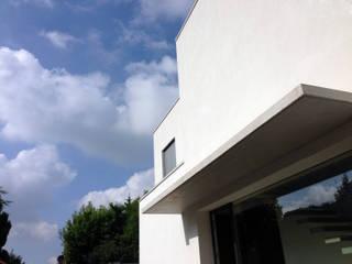 Couloir, entrée, escaliers modernes par Studio GIOLA | Casorezzo MI Moderne