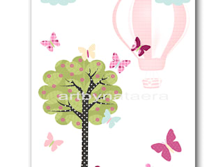 Hot Air Balloon Baby Girl Nursery Print par artbynataera Moderne