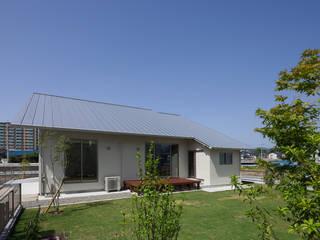 川面の家: 田村の小さな設計事務所が手掛けた家です。