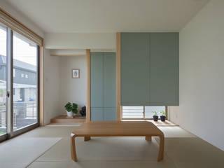 川面の家: 田村の小さな設計事務所が手掛けた和室です。,