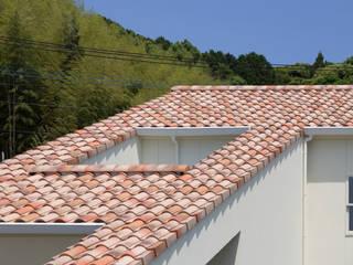 Mediterrane Häuser von 田村の小さな設計事務所 Mediterran