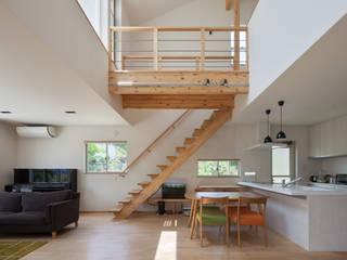 Mediterrane Wohnzimmer von 田村の小さな設計事務所 Mediterran