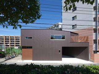 Moderne Häuser von 田村の小さな設計事務所 Modern