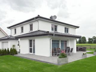 Das schlaue Einfamilienhaus in Harsewinkel-Marienfeld Klassischer Garten von ALBRECHT JUNG GMBH & CO. KG Klassisch