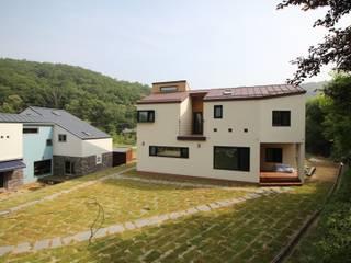 경기도 광주시에 위치한 민서네 집 Taman Modern Oleh 봄 하우스플랜 Modern