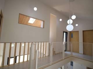 경기도 광주시에 위치한 민서네 집 Koridor & Tangga Modern Oleh 봄 하우스플랜 Modern