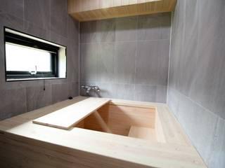 히노끼 욕조 모던스타일 욕실 by 봄 하우스플랜 모던