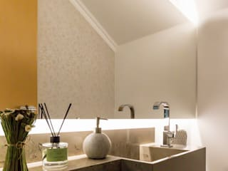 Lavabo Residencial: Banheiros  por Caroline Ritzmann Stratmann Arquitetura e Interiores
