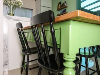Cozinha Residencial : Cozinhas  por Caroline Ritzmann Stratmann Arquitetura e Interiores