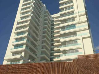 Edificio QB: Casas de estilo  por AV arquitectos, Moderno