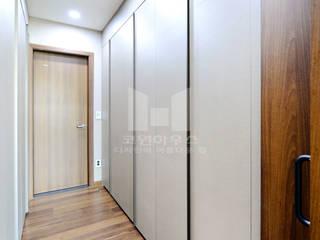 방3-드레스룸: 코원하우스의  드레스 룸