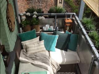 Balcón de estilo  de DIE BALKONGESTALTER