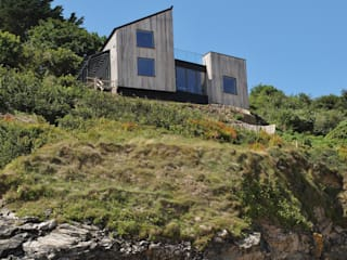 Edge of Cliff Rustic style houses by Arco2 Architecture Ltd Rustic