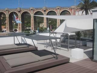 Aussengestaltung und Interior: Privathaus an der Côte d' Azur Moderner Balkon, Veranda & Terrasse von STYLE-interior design, Ganal + Sloma Modern