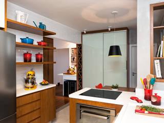 Nhà bếp by Ambienta Arquitetura