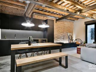 Apartamento en Poblenou: 100% industrial Dröm Living Comedores de estilo industrial