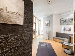 Rénovation contemporaine étude notariale Lyon réHome Espaces de bureaux minimalistes