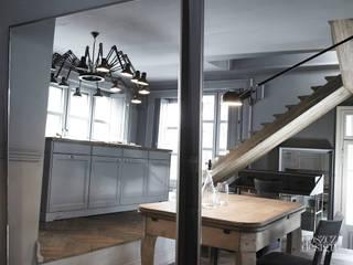 Dom jak dzieło sztuki Klasyczna kuchnia od GOSZCZDESIGN Klasyczny