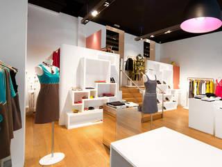 Agencement de boutique à Lyon pour la marque Nathalie Chaize réHome Locaux commerciaux & Magasin originaux