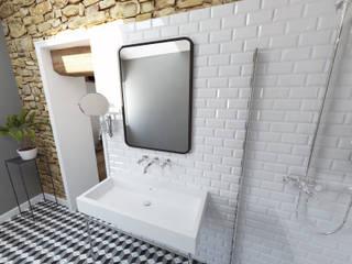 Aménagements pour chambres d'hôtes Salle de bain moderne par La Fable Moderne